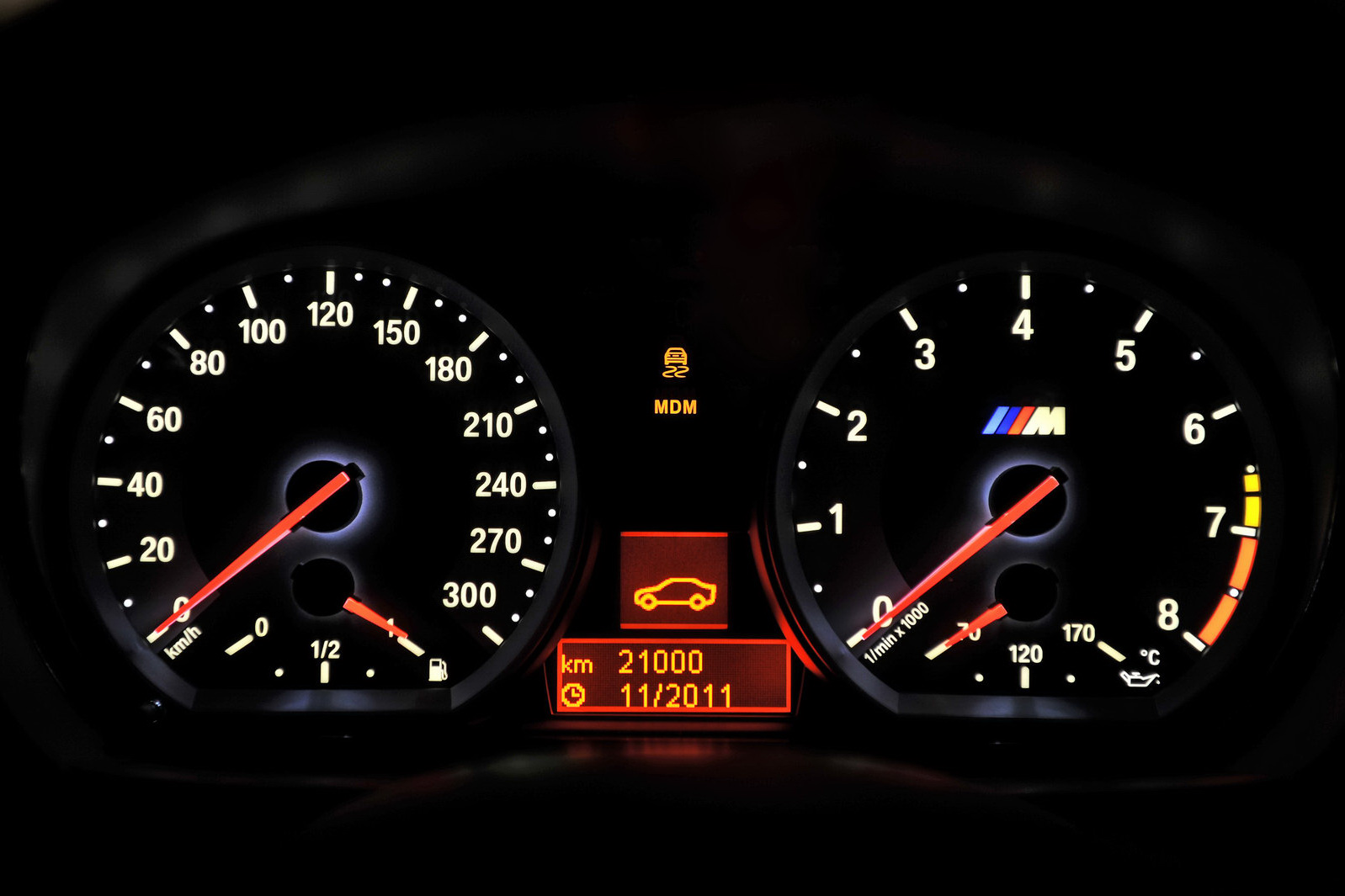 BMW-M1-Coupe-cluster